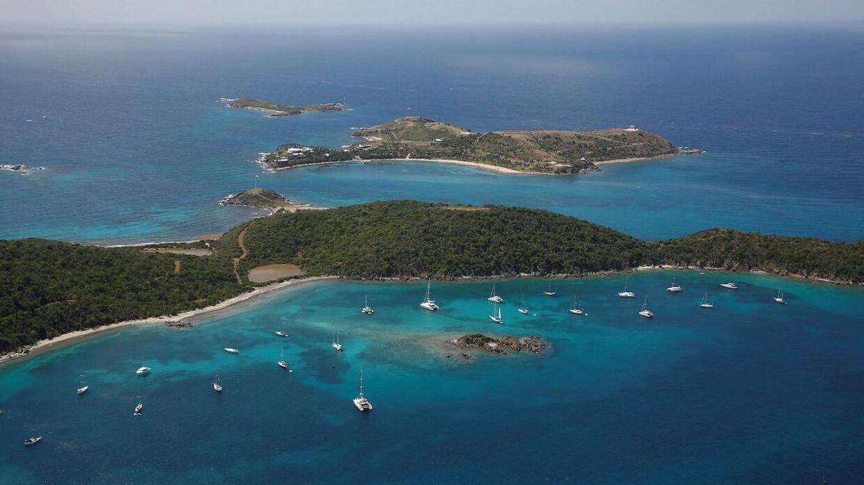 Jeffrey Epstein forsøgte at købe øen Great St. James (i bunden af billedet) af den danske rigmand Christian Kjær. Epstein var i forvejen ejer af Little St. James (øen i toppen af billedet.