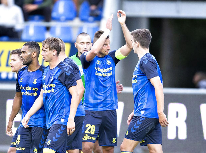Brøndbys Kamil Wilczek har scoret til 2-0 mod Hobro IK.