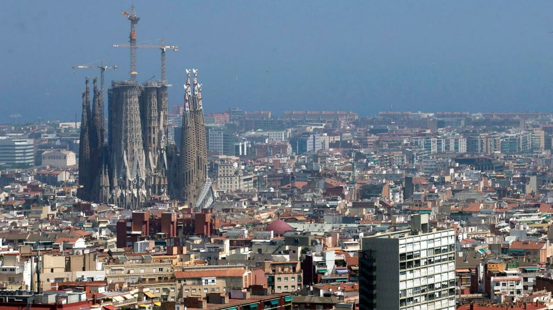 En 46-årig svensk kvinde er fundet død på gaden i Barcelona.