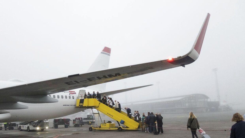 At komme ombord på en flyver bliver billigere og billigere.