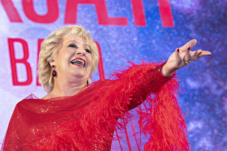 Birthe Kjær havde både klassikere og en hel bunke Melodi Grand Prix sange med til de fremmødte.