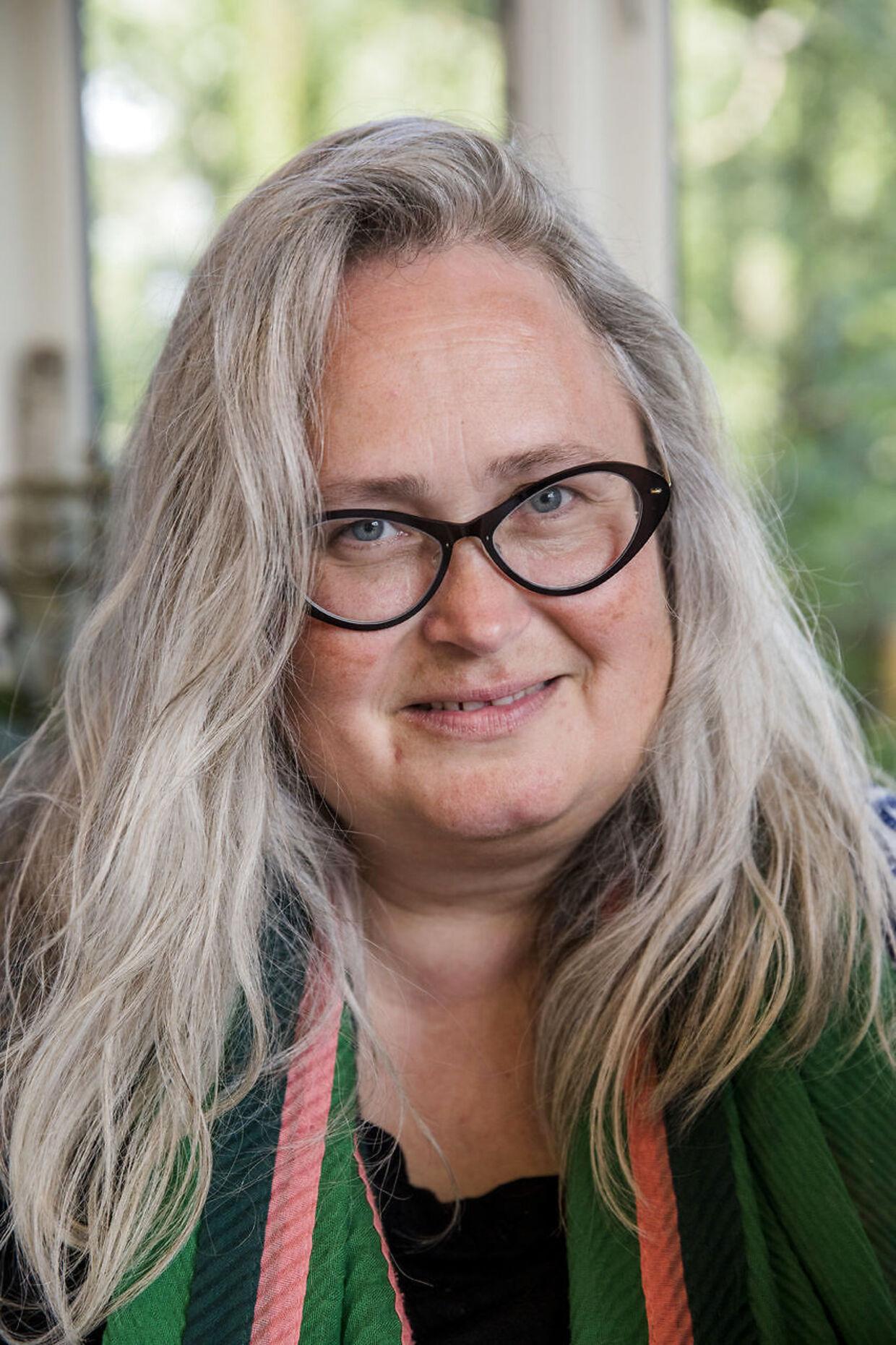 »Jeg har ikke hyret lektiehjælp for at pace mit barn. Men hvis de har svært ved noget, synes jeg, man som forælder har pligt til at hjælpe dem,« siger Kathrine Bundgaard.