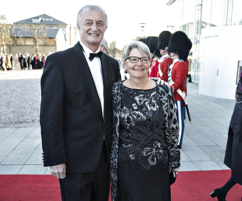 Her ses Lars Larsen med sin hustru, Kristine Brunsborg, da de som gæster var med til festaften i Musikhuset i Aarhus, da dronning Margrethe i 2015 fyldte 75 år.