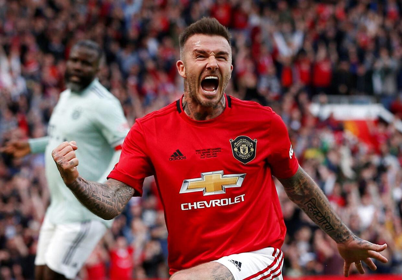 David Beckham får til gengæld ros med på vejen af Forlán.