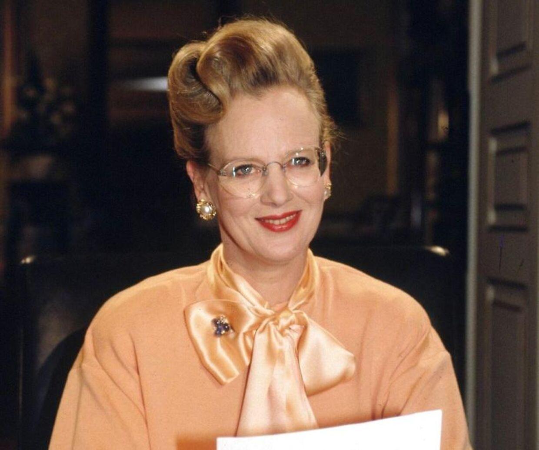 Dronning Margrethe har i mange år været fan af Lindberg Briller. Her bærer hun et par ved nytårstalen i 1990.
