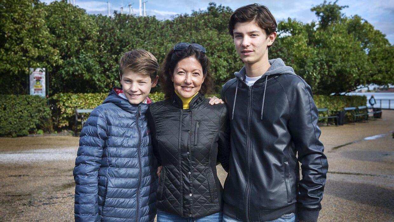 Arkiv. Alexandra ses her sammen med sønnerne prins Nikolai og prins Felix.