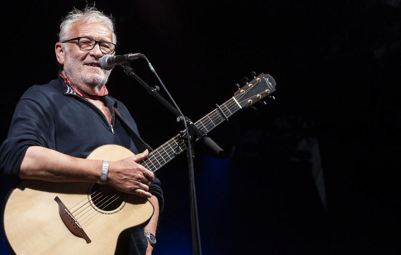 Niels Hausgaard optrådte fredag på Tønder Festival, hvor han fortalte, at han i 2016 fik et hjertestop.