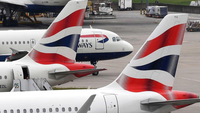 Ifølge BBC klager kunderne over, at British Airways er svære at komme i kontakt med.