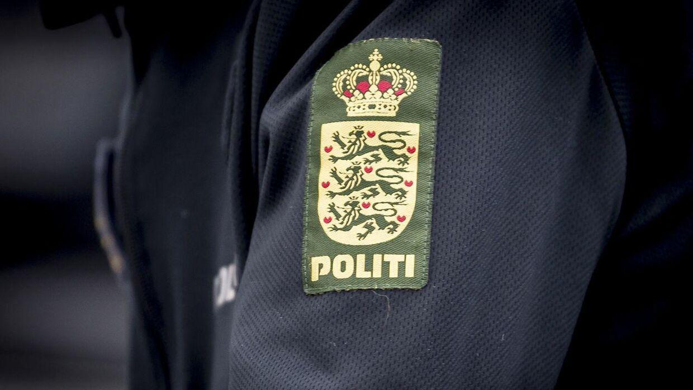 Politiet efterlyser cyklisten, der påkørte den femårige dreng på Øster Allé lørdag aften.