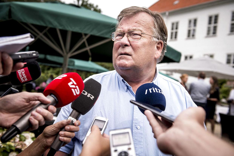 Claus Hjort Frederiksen efter Venstres pressemøde i forbindelse med sommergruppemødet på Kragerup Gods ved Ruds Vedby, hvor han langede kraftigt ud efter Kristian Jensen.
