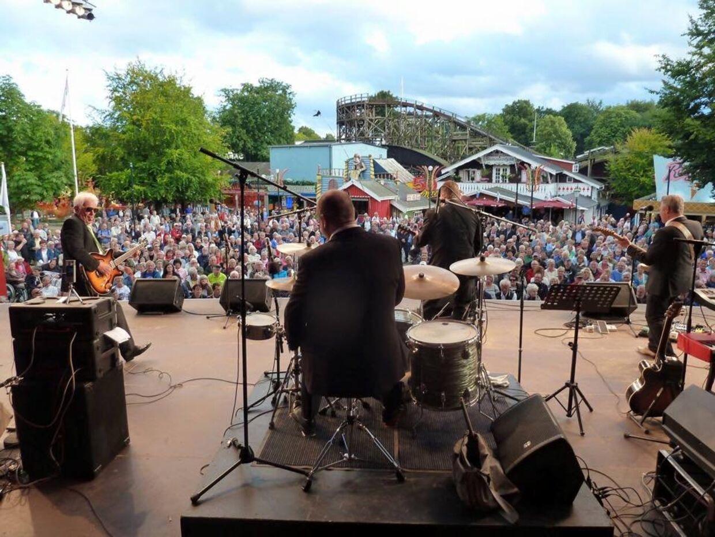 Chimbo's Revival har spillet over 3.000 koncerter. Her fyrer de den af på Bakken.