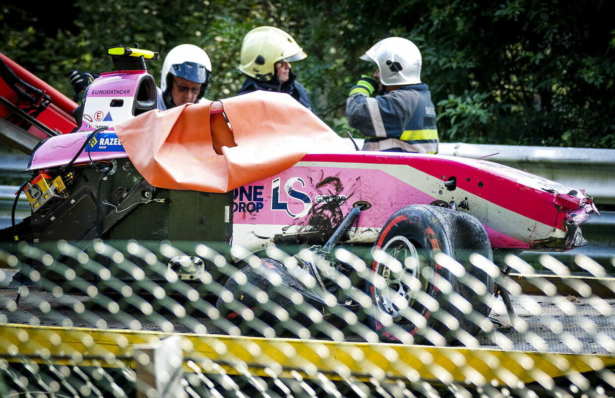 epa07808128 The car wreck of Anthoine Hubert of BWT Arden is removed during the Formula 2 race at the Spa-Francorchamps race track in Stavelot, Belgium, 31 August 2019. The French driver Anthoine Hubert has died after a high-speed collision on lap two of the Formula 2 race at the Belgian Grand Prix. EPA/REMKO DE WAAL