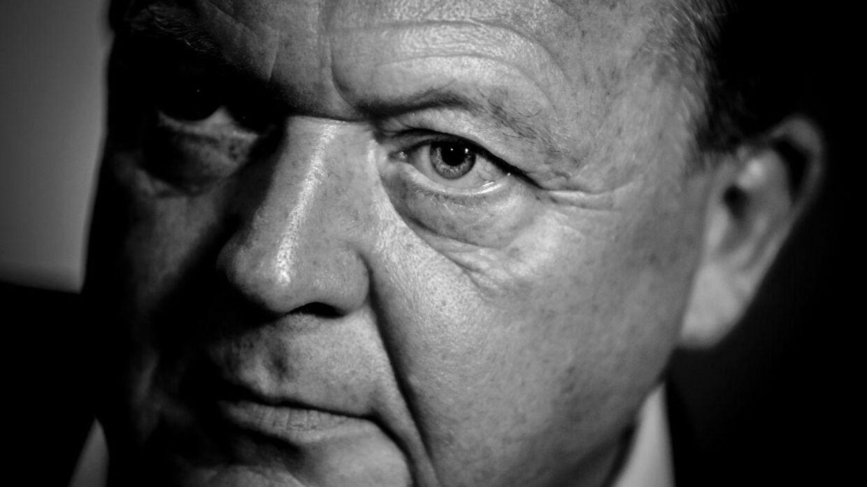 Lars Løkke Rasmussen trak sig lørdag eftermiddag fra formandsposten i Venstre. Han har endnu ikke fortalt offentligheden hvorfor - foruden et lille opslag på Twitter.