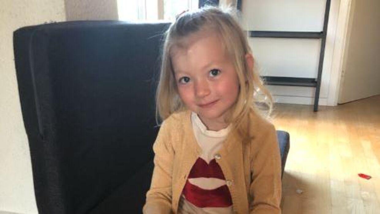 Treårige Mia Nielsen kæmpede i fire uger mod bakterien E.coli-bakterien VTEC.