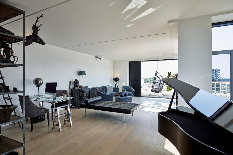 Møblerne fra Dennis Knudsens nuværende lejlighed flytter med over i den nye.