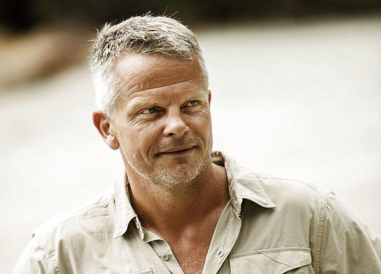 Jakob Kjeldberg er vært på 'Robinson Ekspeditionen'.