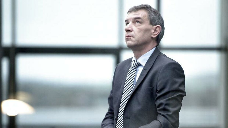 Lars Petersson mener, at det er blevet besværligt at låne penge i banken.