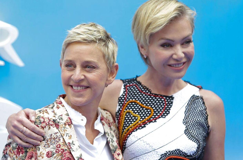Ellen Degeneres (tv.) og Portia de Rossi (th.).