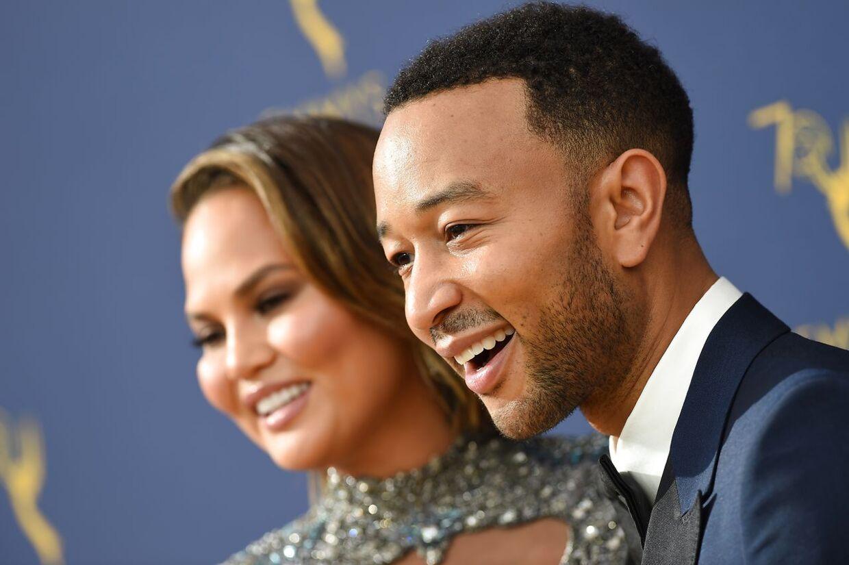Stjerne ægteparret John Legend og Chrissy Teigen er ikke vilde med Donald Trump. Og følelserne er gengæld.