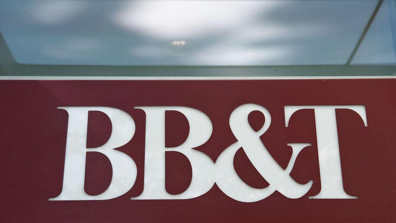 Det var en medarbejder fra BB&T Bank, der ved en fejl overførte pengene til Robert og Tiffany Williams.