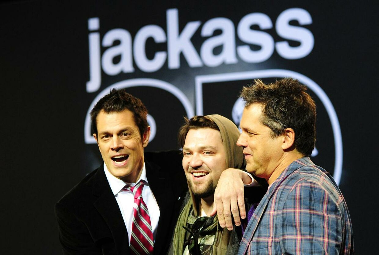 Johnny Knoxville (tv.), Bam Margera (i midten) og Jeff Tremaine (th.).