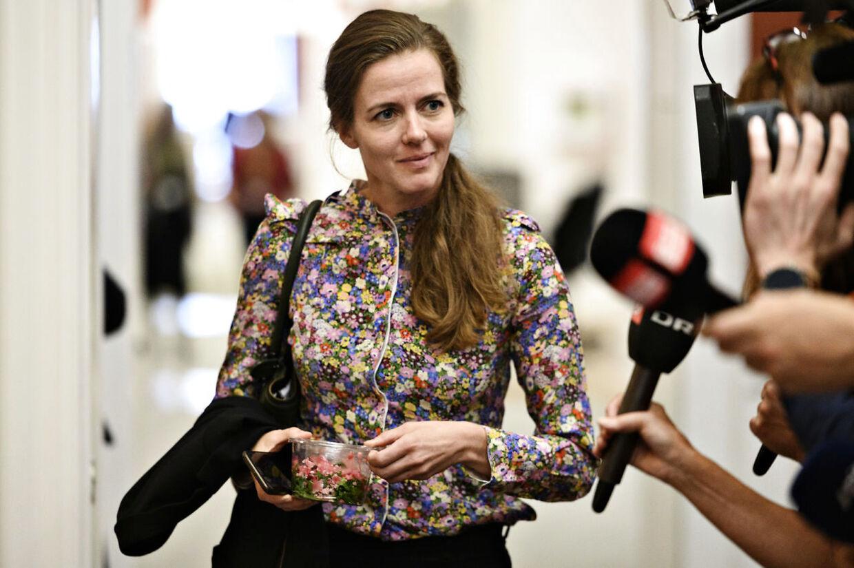 Ellen Trane Nørby (V) forlader Venstres gruppemøde på Christiansborg tirsdag den 10. september 2019.. (Foto: Philip Davali/Ritzau Scanpix)