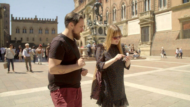 Maja savner initiativ fra ægtemanden, da de udforsker Bologna på bryllupsrejsen.