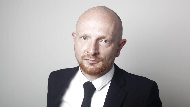 Programchef hos Radio24syv, Mads Brügger, synes, at man godt kan stå inde for programmet.