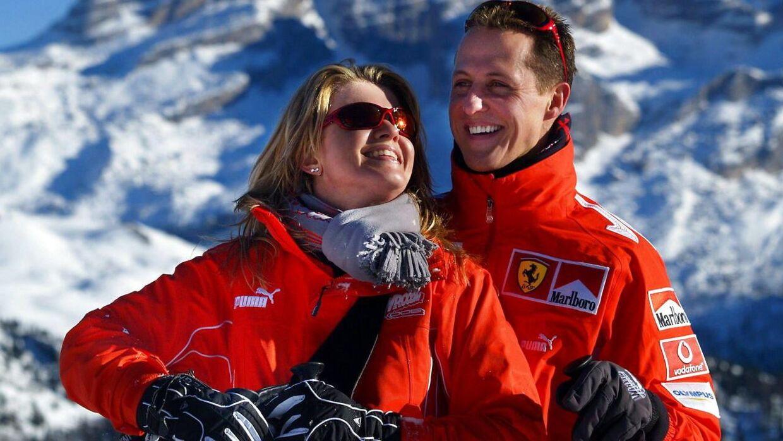 Michael Schumacher på skiferie med sin kone, Corinna, i Italien i 2005.