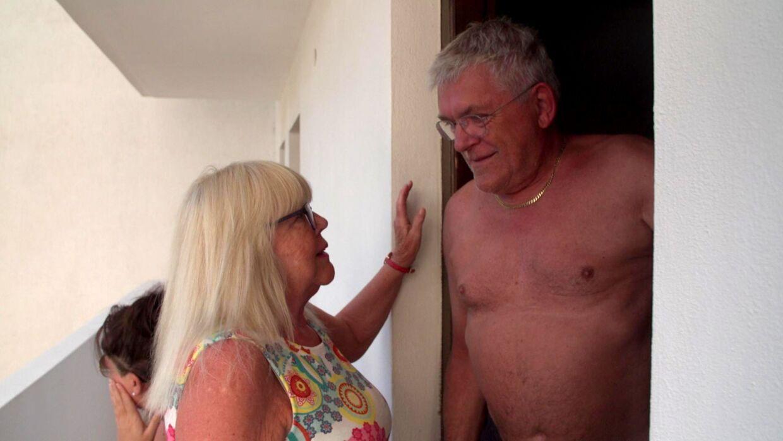 Mona med Poul, som hun fandt på Tinder under ferien på Kreta.