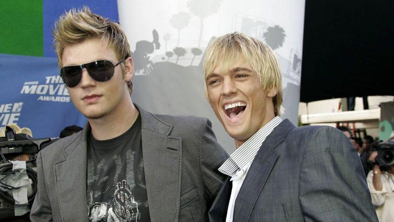 I deres storhedstid var Nick (t.v.) og Aaron Carter nogle af verdens største popstjerner. Her er de fotograferet i 2006, da de stadig var på talefod. (Foto: Scanpix/REUTERS/Fred Prouser)