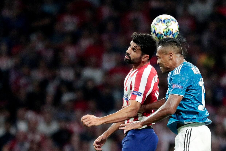 Alex Sandro (til højre) stod for forarbejdet til Juventus' andet mål, men det var ikke nok til sejr. Susana Vera/Reuters