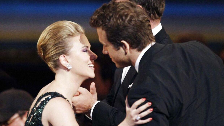 Scarlett Johansson og Ryan Reynolds i 2010. Parret blev skilt kort tid efter.