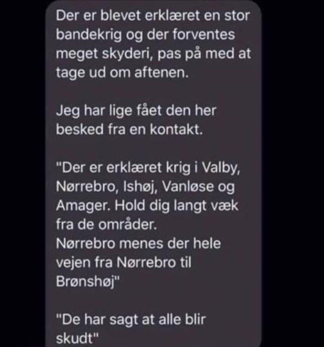 En SMS-besked advarer om bandekrig og skyderier i København fredag aften. Beskeden får nu politiet til at reagere.