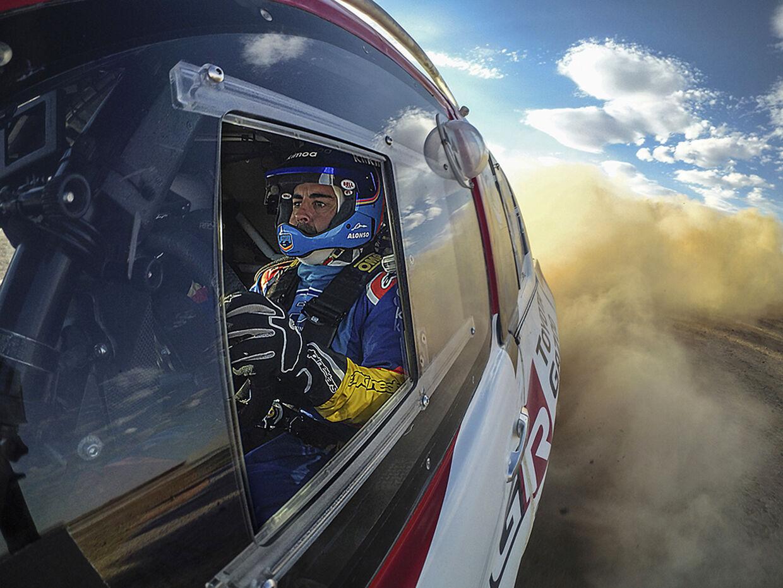 Fernando Alonso forbereder sig i disse uger på at stille op i Dakar Rallyet 2020 for Toyota.