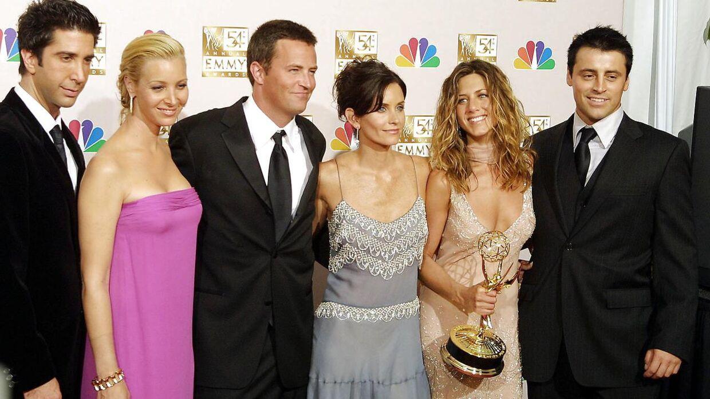 Jennifer Aniston i 2002 med hele holdet af 'Venner'-skuespillere til Emmy-uddeling.