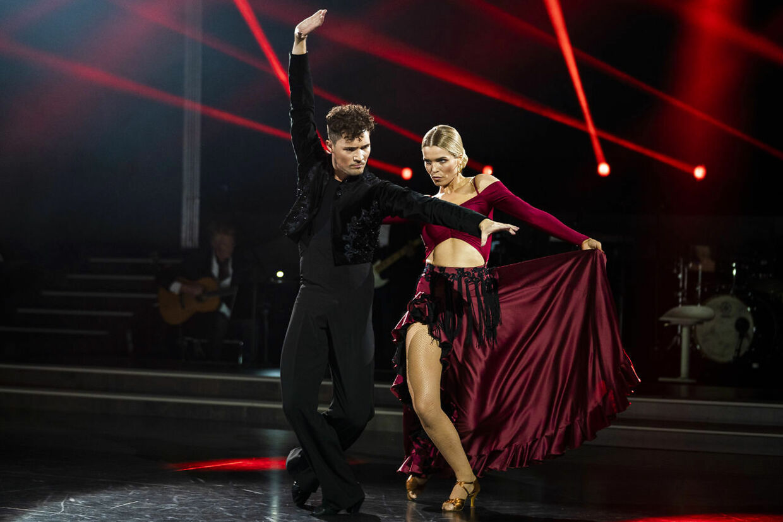 skuespiller Marie Bach Hansen og Martin Reichardt gav den gas i anden runde af Vild med dans.
