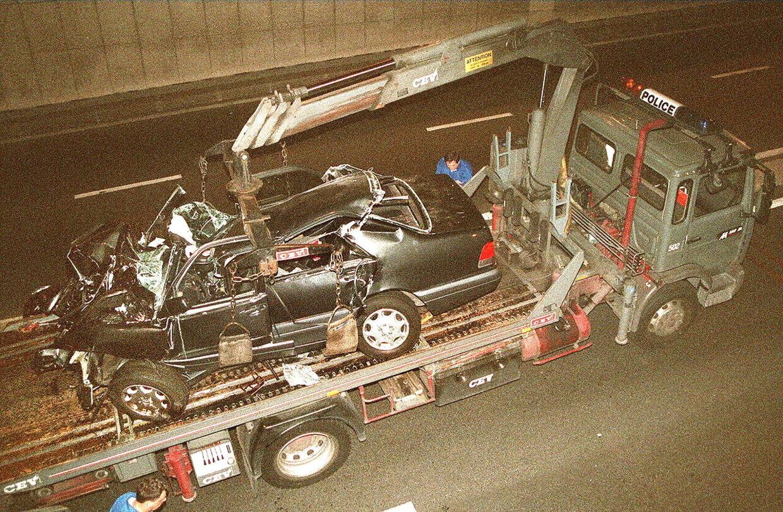 Der er stadig en del mystik omkring bilykken, der tog livet af prinsesse Diana i Pont de l'Alma-tunellen i Paris for 22 år siden.