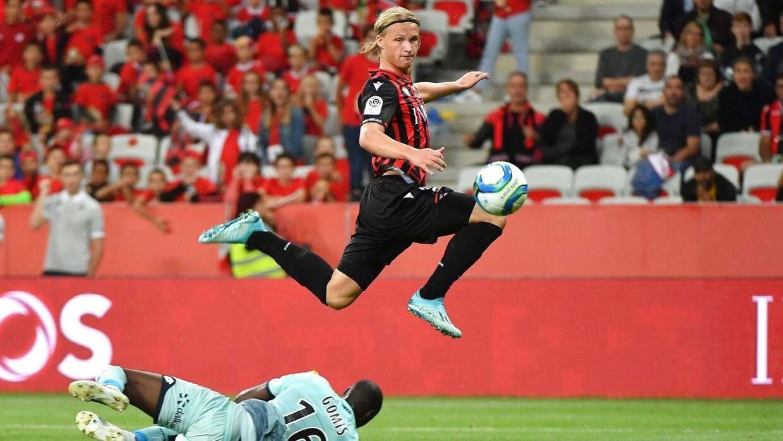 Kasper Dolberg scorede søndag sit første mål i Nice-trøjen.