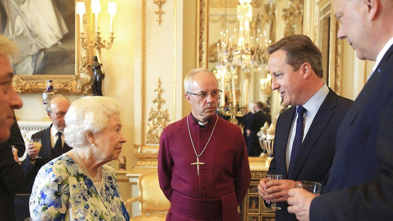 Dronning Elizabeth II og tidligere premierminister David Cameron.