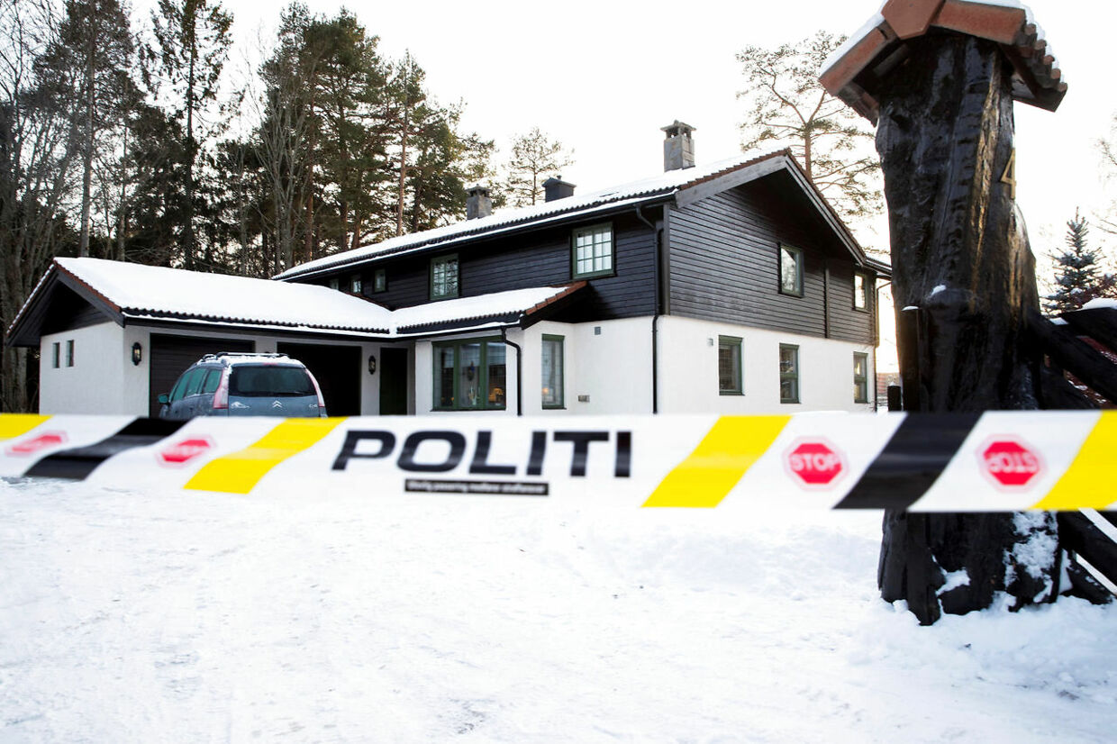 Police cordon the area surrounding the home of Norwegian real estate investor Tom Hagen and his wife Anne-Elisabeth Falkevik Hagen, who according to the authorities is suspected to have been kidnapped, in Fjellhamar, Norway, January 11, 2019. NTB Scanpix/Vidar Ruud via REUTERS ATTENTION EDITORS - THIS IMAGE WAS PROVIDED BY A THIRD PARTY. NORWAY OUT.NO COMMERCIAL OR EDITORIAL SALES IN NORWAY.