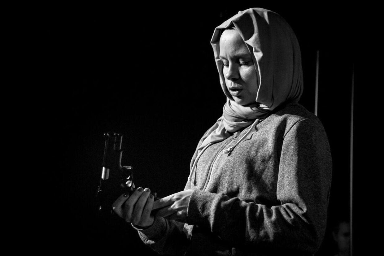 Foto fra forestillingen 'Den sidste dråbe blod' på Teatret Fair Play i Holbæk.