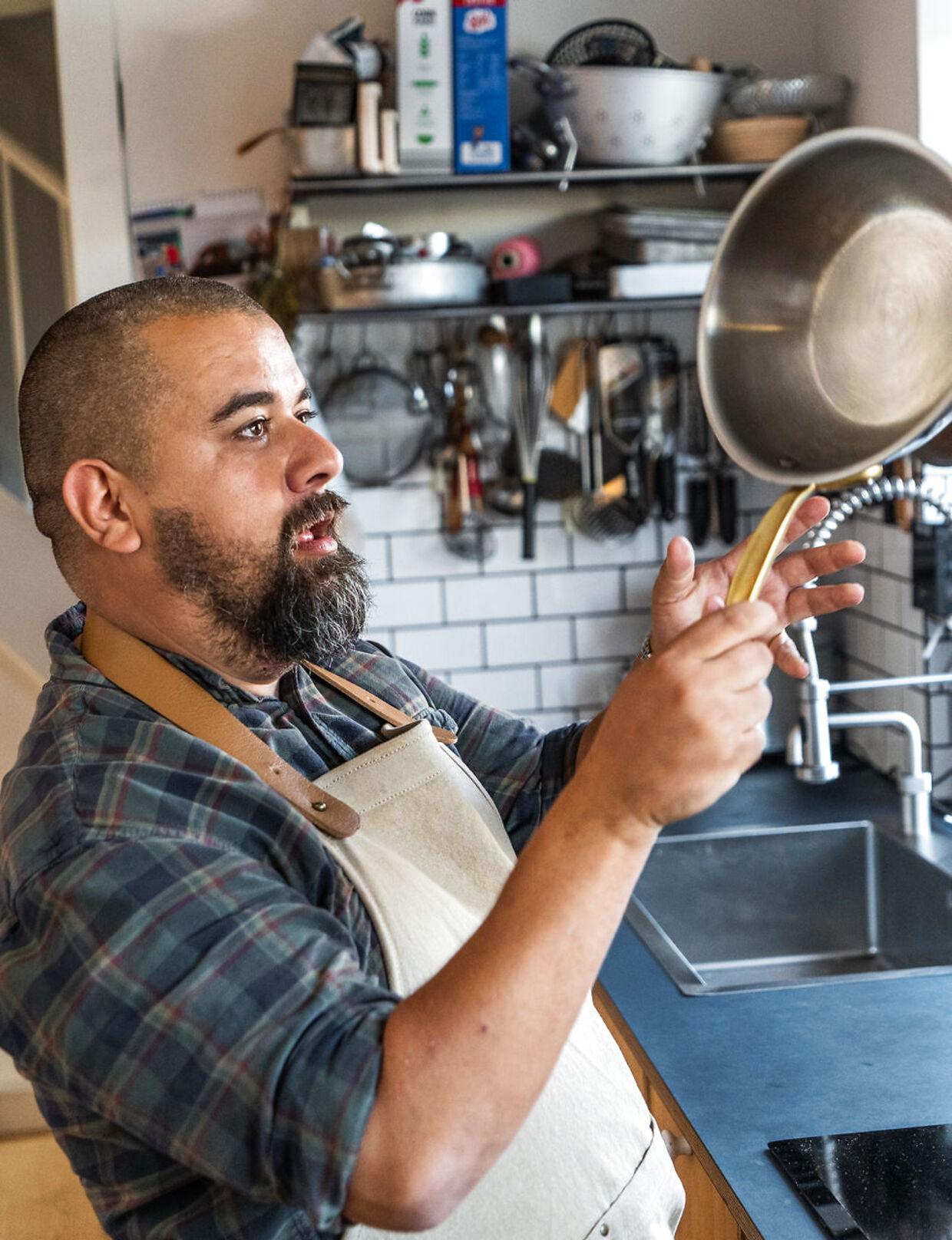 Thomas Alcayaga er madblogger og anmelder i B.T.s test univers – 'Det bedste af det billige'.