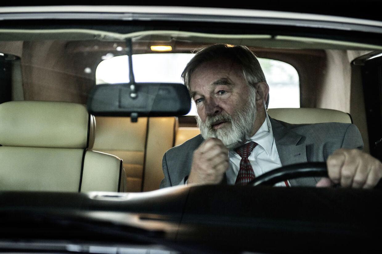 Kurt Daell er Danmarks 38. rigeste mand. Han er ligesom mange andre rigmænd vild med biler. Han samler primært på veteranbiler.
