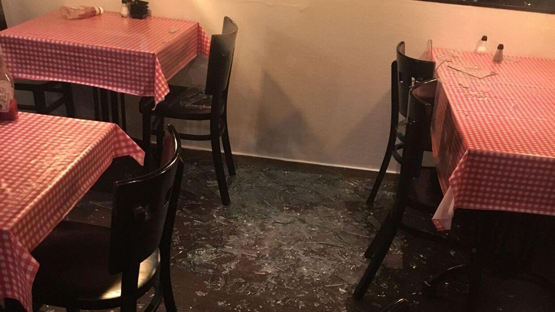 Sådan så det ud, da Anahita Malakians tændte lyset i restauranten.