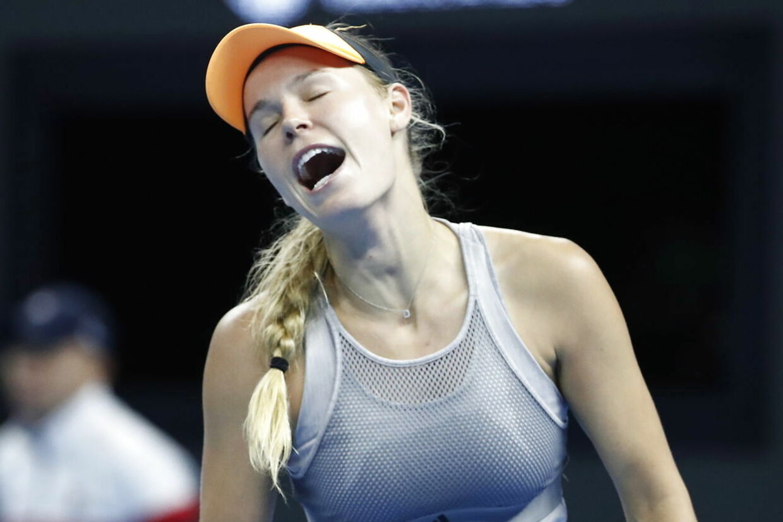 Caroline Wozniacki ærgrer sig efter en tabt duel ved sidste uges China Open.