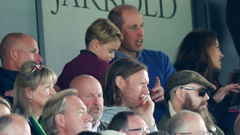Her ses prins George på tribunen med sin far, prins William, mor - hertuginde Kate - og lillesøster, Charlotte.