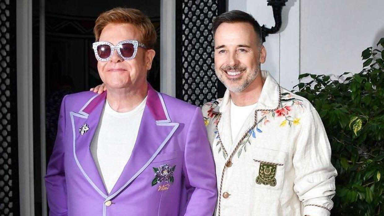 Elton John sammen med sin mand David Furnish