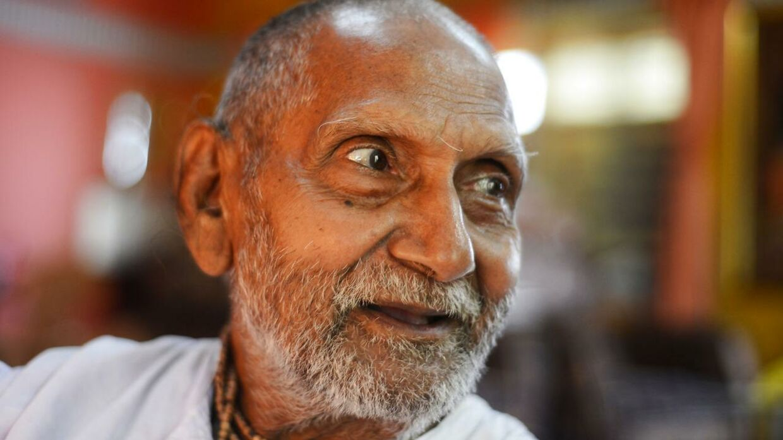Swami Sivananda som han så ud i 2016. I dag er den indiske munk efter sigende 123 år gammel. (Foto: Dibyangshu Sarkar/AFP)