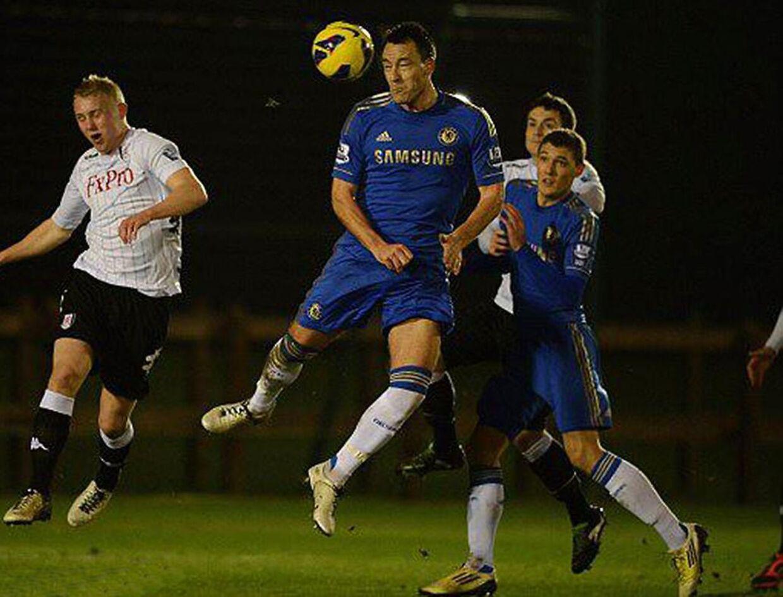 Da Andreas Christensen først kom på førsteholdet i Chelsea var flere af de gamle travere, der stadig. Her ses han sammen med John Terry.